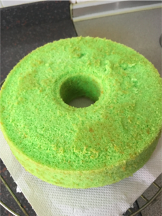 Finish Whole Pandan Cake